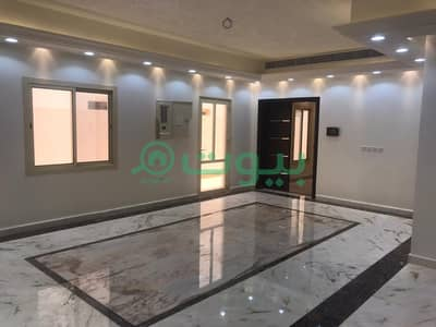 7 Bedroom Villa for Sale in Jeddah, Western Region - Modern villa 2 floors and an annex of Al Muhammadiyah, north of Jeddah