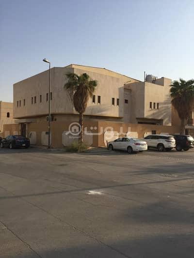 فلیٹ 2 غرفة نوم للايجار في الرياض، منطقة الرياض - شقة بالسطح للإيجار في حي الورود، شمال الرياض