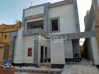 فیلا 6 غرف نوم للبيع في الرياض، منطقة الرياض - فيلا 300م2 للبيع بحي المونسية، شرق الرياض