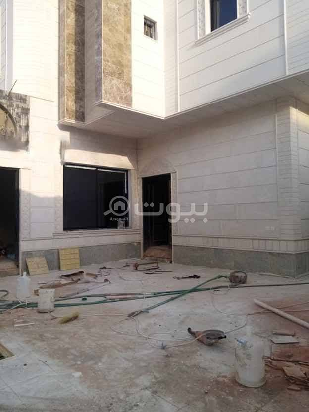Spacious Villa interior staircase and apartment with park in Al Munsiyah, East of Riyadh