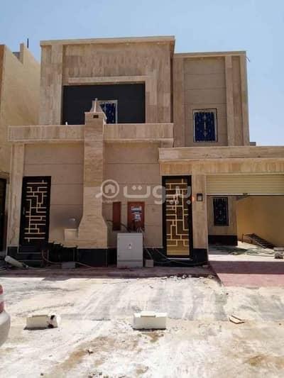 فيلا درج داخلي مع شقتين للبيع بالمونسية، شرق الرياض