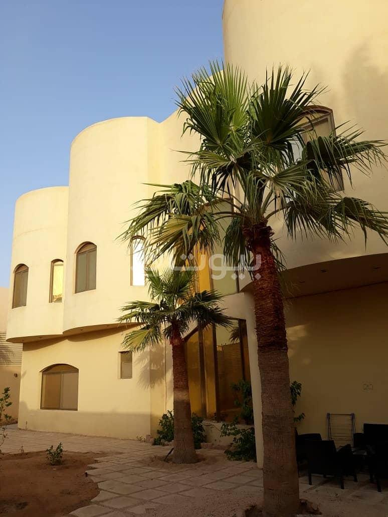 قصر أوروبي مع مسبح للبيع بحي الفلاح، شمال الرياض