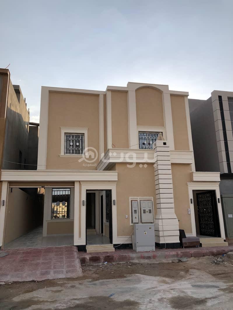 فيلا وملحق مع شقتين للبيع بالمونسية، شرق الرياض | 360م2