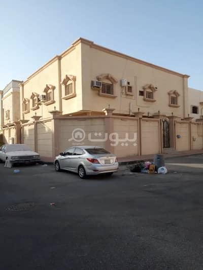 دور 5 غرف نوم للبيع في الدمام، المنطقة الشرقية - دور مع شقتين و ملحق للبيع بأحد، الدمام | 400 م2