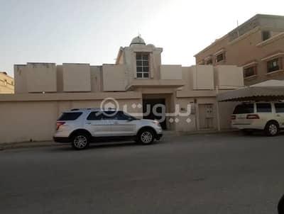 دور 8 غرف نوم للبيع في الدمام، المنطقة الشرقية - شقتين أرضيتين للبيع بأحد، الدمام