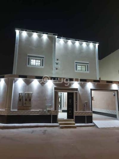 فیلا 5 غرف نوم للبيع في الرياض، منطقة الرياض - فيلا للبيع مع شقتين و ملحق في النهضة، شرق الرياض