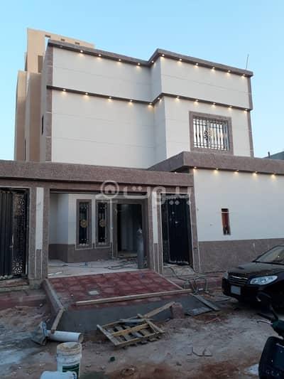 فیلا 5 غرف نوم للايجار في الرياض، منطقة الرياض - فيلا مع سطح   260م2 للإيجار بالكامل بحي المعيزلة، شرق الرياض