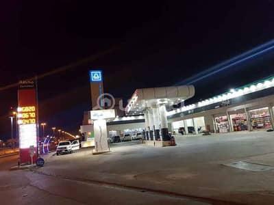 Shop for Rent in Riyadh, Riyadh Region - Shop In a Gas Station For Rent In Dhahrat Laban, West Riyadh