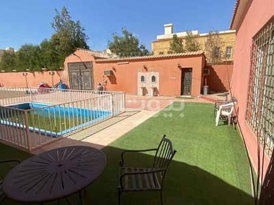 4 Bedroom Rest House for Sale in Jeddah, Western Region - Spacious Istiraha with a Pool for sale in Al Yaqout, North of Jeddah