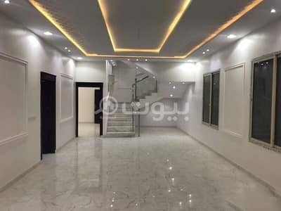 4 Bedroom Villa for Sale in Riyadh, Riyadh Region - Villa with stairs in the hall and 2 apartments for sale in Al Qadisiyah, East of Riyadh