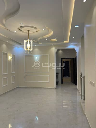 6 Bedroom Flat for Sale in Khamis Mushait, Aseer Region - Apartments wtih parking for sale in Al Mousa, Khamis Mushait
