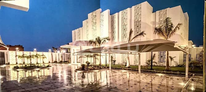 Palace for Sale in Jeddah, Western Region - Furnished palace with a park and Pool for sale in Al Murjan, north of Jeddah
