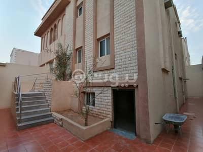 دور 3 غرف نوم للايجار في الرياض، منطقة الرياض - دور أرضي في فيلا للإيجار في الربوة، وسط الرياض