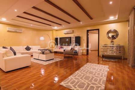 قصر 6 غرف نوم للبيع في الرياض، منطقة الرياض - قصر فاخر مع مسبح و ملجق للبيع في الحمراء، شرق الرياض