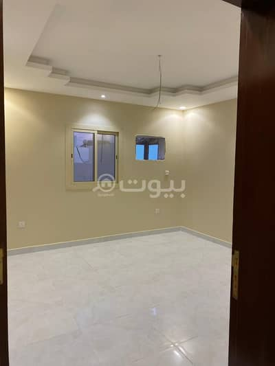 2 Bedroom Flat for Sale in Jeddah, Western Region - Apartment with roof for sale in Al Taiaser Scheme, North Jeddah