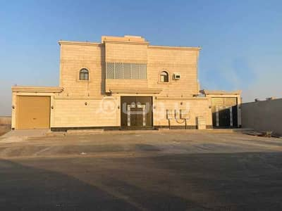 Residential Building for Sale in Jeddah, Western Region - Residential building for sale in Obhur Al Shamaliyah district, north of Jeddah