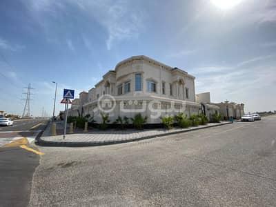 فیلا 5 غرف نوم للبيع في الظهران، المنطقة الشرقية - فيلا فخمة مع مسبح للبيع بحي القصور، الظهران