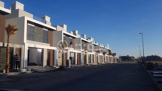 فیلا 3 غرف نوم للبيع في جدة، المنطقة الغربية - للبيع 3 فلل مع مسبح للبيع في الشراع، شمال جدة