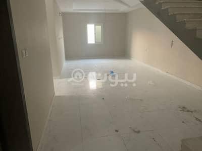 فیلا 4 غرف نوم للبيع في الخبر، المنطقة الشرقية - فيلا للبيع درج صالة واسعة في العزيزية، الخبر