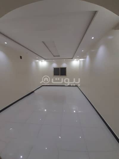 4 Bedroom Villa for Rent in Riyadh, Riyadh Region - Villa staircase Hall and roof for rent Al Rimal neighborhood, east Riyadh