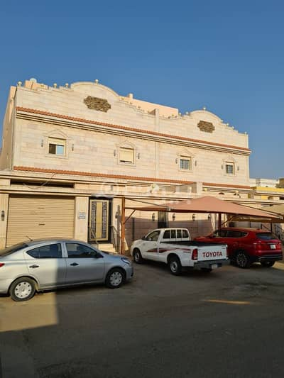 6 Bedroom Villa for Sale in Jeddah, Western Region - 2 Roofs and annex villa for sale in Taiba District, north of Jeddah
