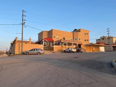 فیلا 8 غرف نوم للبيع في حفر الباطن، المنطقة الشرقية - فيلا للبيع دورين وملحق حي البلدية، في حفر الباطن