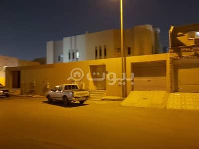 فیلا 5 غرف نوم للايجار في الرياض، منطقة الرياض - فيلا   مع كراج خاص للإيجار في حي الملك فيصل، شرق الرياض