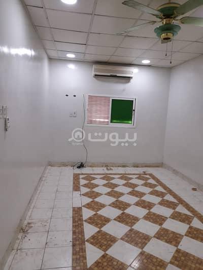 شقة 4 غرف نوم للايجار في الخبر، المنطقة الشرقية - شقة دور أرضي عوائل للإيجار في حي الثقبة، الخبر
