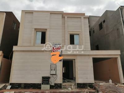 فیلا 6 غرف نوم للبيع في الرياض، منطقة الرياض - فيلا درج داخلي وشقة للبيع في الرمال، شرق الرياض