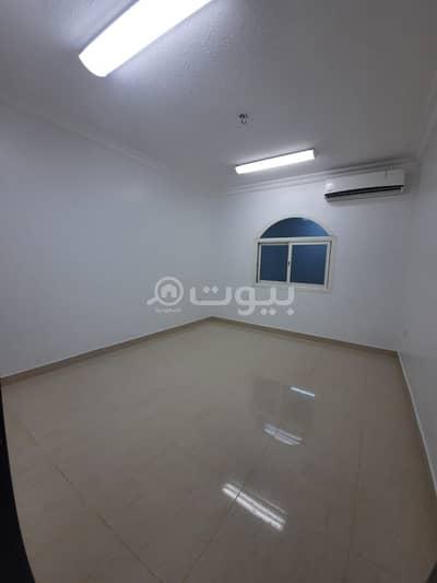 دور 3 غرف نوم للايجار في الرياض، منطقة الرياض - دور علوي للإيجار بفيلا بحي الملقا، شمال الرياض