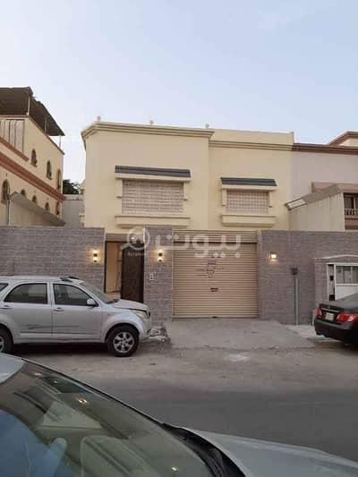 فیلا 5 غرف نوم للبيع في جدة، المنطقة الغربية - فيلا درج صالة مجددة للبيع في المحمدية، شمال جدة