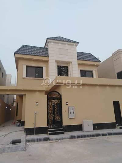 فیلا 4 غرف نوم للبيع في الرياض، منطقة الرياض - للبيع فلتين درج صالة وشقة في النرجس، شمال الرياض