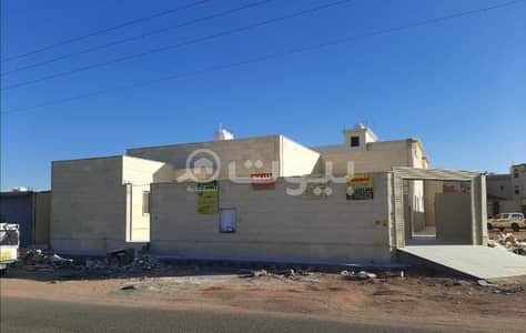4 Bedroom Floor for Sale in Hail, Hail Region - floor 685 SQM  for sale in Al Yasmin, Hail