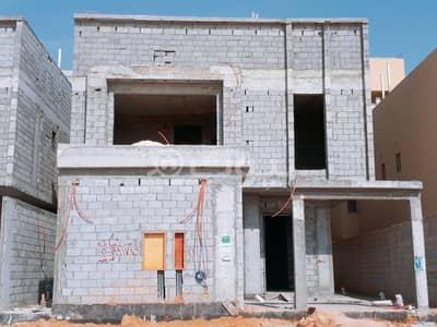 فیلا 5 غرف نوم للبيع في الرياض، منطقة الرياض - فيلا درج داخلي وشقتين للبيع في المونسية، شرق الرياض