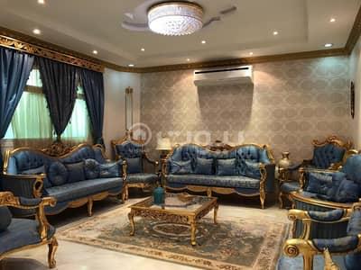 فیلا 4 غرف نوم للبيع في الرياض، منطقة الرياض - فيلا دور و شقتين للبيع في حي اشبيلية شرق الرياض