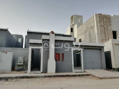 دور 4 غرف نوم للبيع في الرياض، منطقة الرياض - دور أرضي مؤسس ل3 شقق للبيع بالرمال، شرق الرياض
