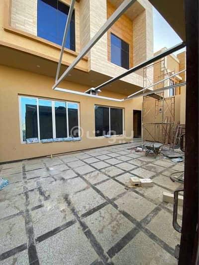 4 Bedroom Villa for Sale in Riyadh, Riyadh Region - Villa staircase modern hall for sale in Al Qirawan, North Riyadh