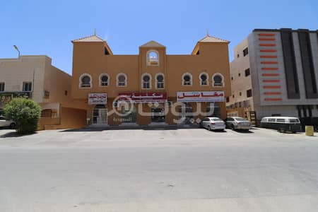 10 Bedroom Commercial Building for Sale in Riyadh, Riyadh Region - Commercial Residential building for sale in Al Malqa, North of Riyadh