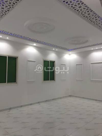 Villa for Sale in Riyadh, Riyadh Region - Indoor staircase villa and apartment for sale in Al Waha Al Rimal neighborhood, east of Riyadh