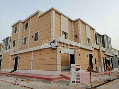 5 Bedroom Villa for Sale in Riyadh, Riyadh Region - Corner villa with two apartments for sale in Al Rimal district, east of Riyadh