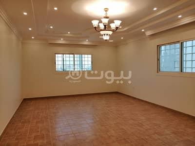 فیلا 5 غرف نوم للايجار في الرياض، منطقة الرياض - فيلا درج داخلي للإيجار في حي النخيل، شمال الرياض