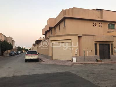 Palace for Sale in Riyadh, Riyadh Region - A small palace for sale in Al Rabwah district, in the center of Riyadh