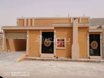 Floor for Sale in Riyadh, Riyadh Region - Ground Floor For Sale In Al Manakh, South Riyadh