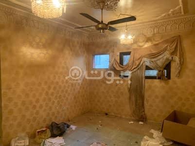 فیلا 4 غرف نوم للايجار في الرياض، منطقة الرياض - بيت شعبي للايجار بحي الخالدية، وسط الرياض