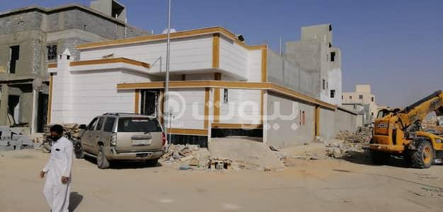 3 Bedroom Floor for Sale in Riyadh, Riyadh Region - Floor With The Possibility Of Establishing 3 Apartments For Sale In South Riyadh