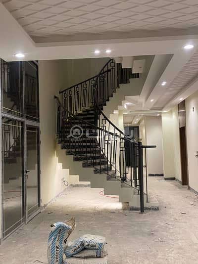 5 Bedroom Villa for Sale in Riyadh, Riyadh Region - Internal staircase villa and apartment for sale in Al Rimal district, east of Riyadh