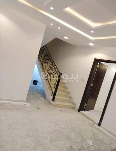 Villa for Sale in Riyadh, Riyadh Region - Stairs in the hall villa and 2 apartments for sale in Al-Suwaidi district, west of Riyadh