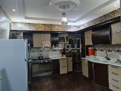4 Bedroom Apartment for Sale in Makkah, Western Region - For sale apartment with roof in Al Nwwariyah district, Makkah