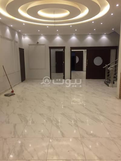 6 Bedroom Villa for Sale in Jeddah, Western Region - Detached villa | 2 floors and an annex for sale in Al Zumorrud, north of Jeddah