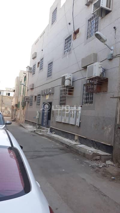 Residential Building for Sale in Riyadh, Riyadh Region - Building for sale in Manfouhah Al Jadidah district, central Riyadh